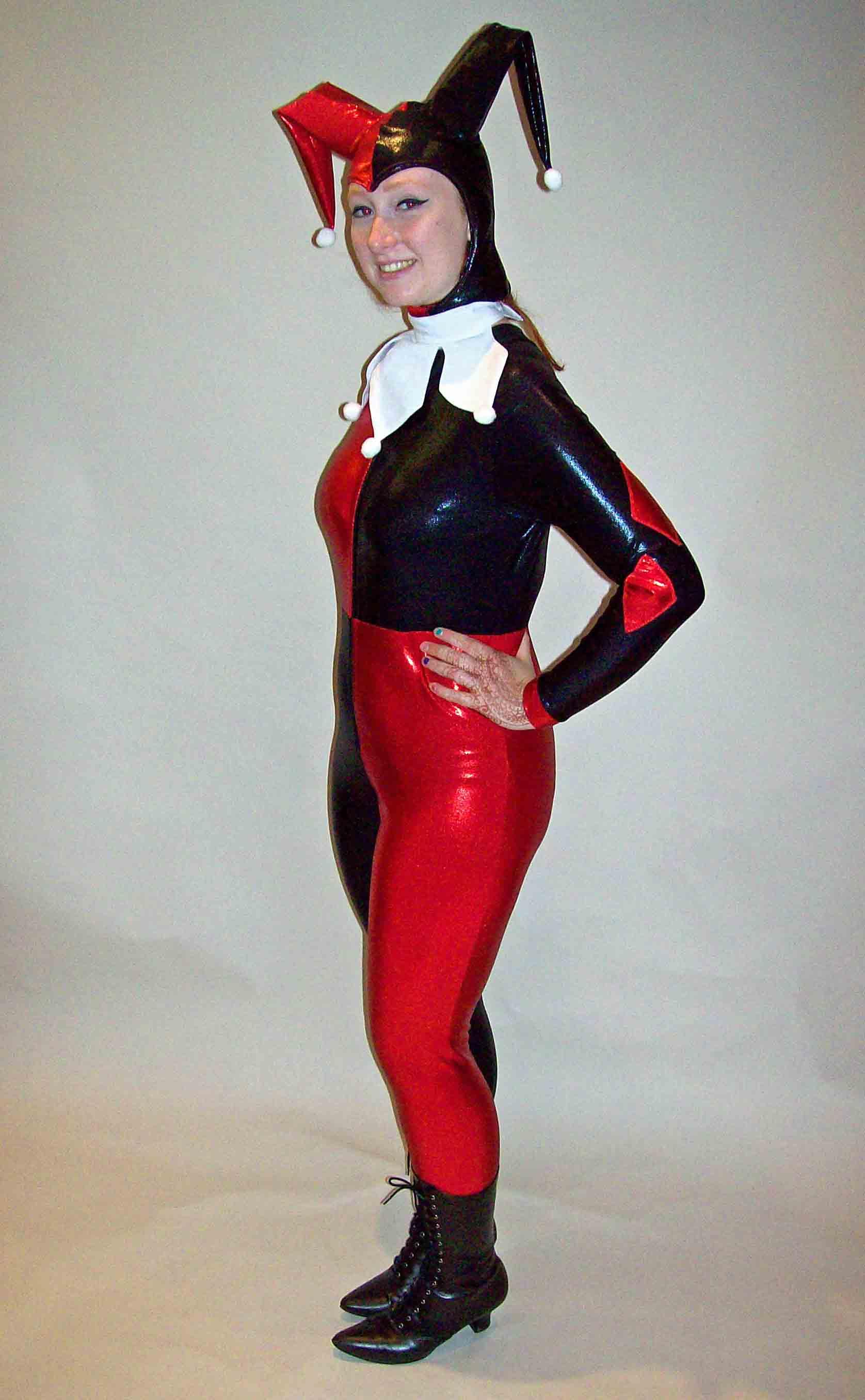 Molly Quinn Costume