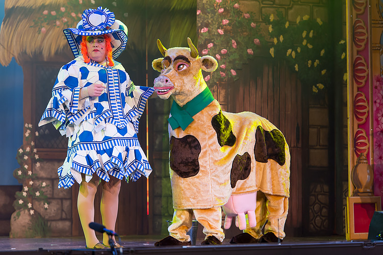 jack and his cow in panto